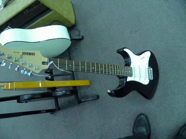 YAMAHA Electric Guitar EG303 ELECTRIC GUITAR