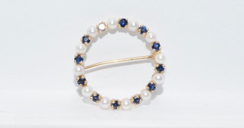 14K Yellow Gold White Pearl & Sapphire Circular Wreath Pin Brooch