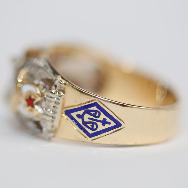 Masonic Ruby & Diamond 10K Yellow Gold Ring Size 11