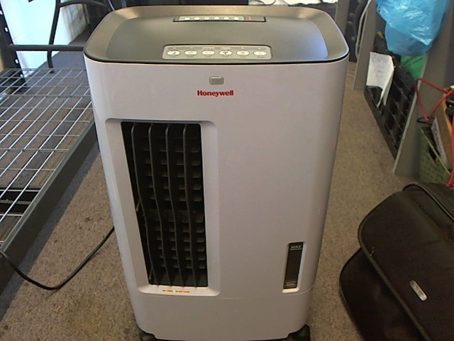 HONEYWELL EVAPORATIVE COOLER CS071AE
