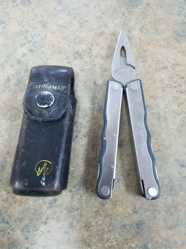 LEATHERMAN Pocket Knife KICK