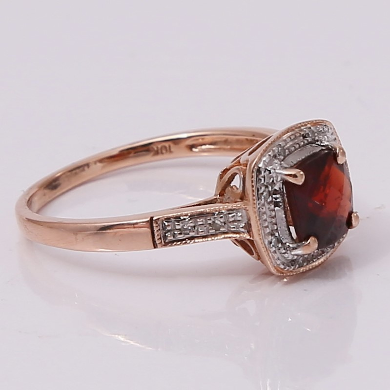 10K Rose Gold Cushion Cut Almandite Garnet & Diamond Ring Size 7