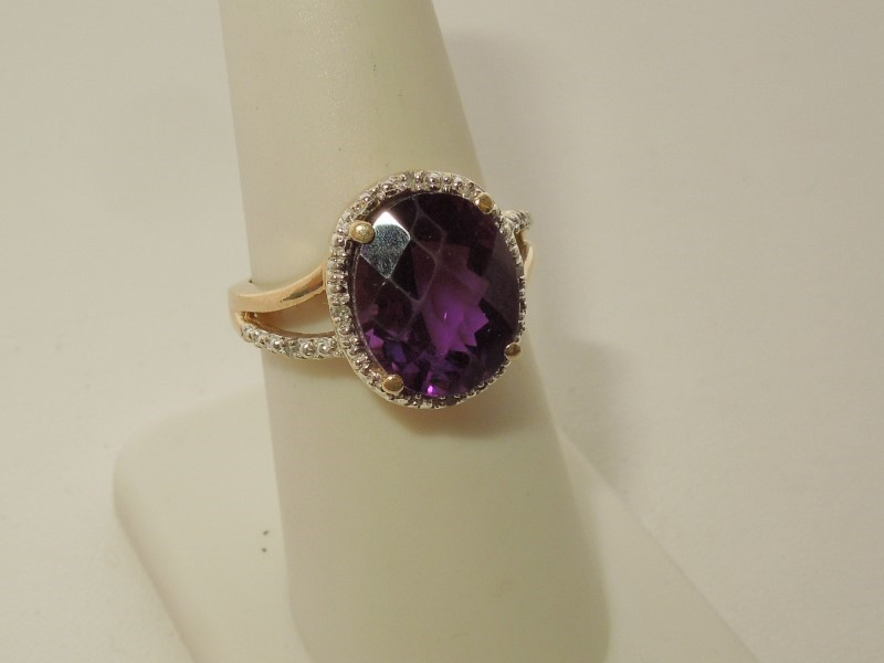 Synthetic Amethyst Lady's Stone Ring 10K Yellow Gold 4.1g