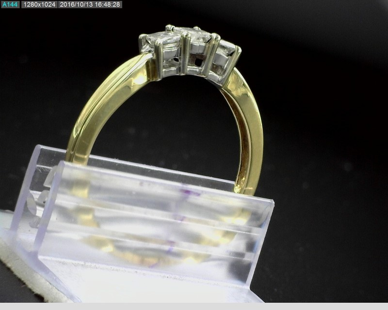 14K YELLOW GOLD THREE STONE PRINCESS CUT DIAMOND RING APX.32C.T.W SZ8.5