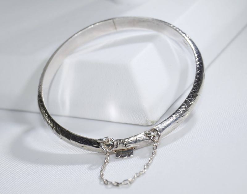 Sterling Silver Children's Baby Diamond Cut Etched Bangle Bracelet w/ Safety