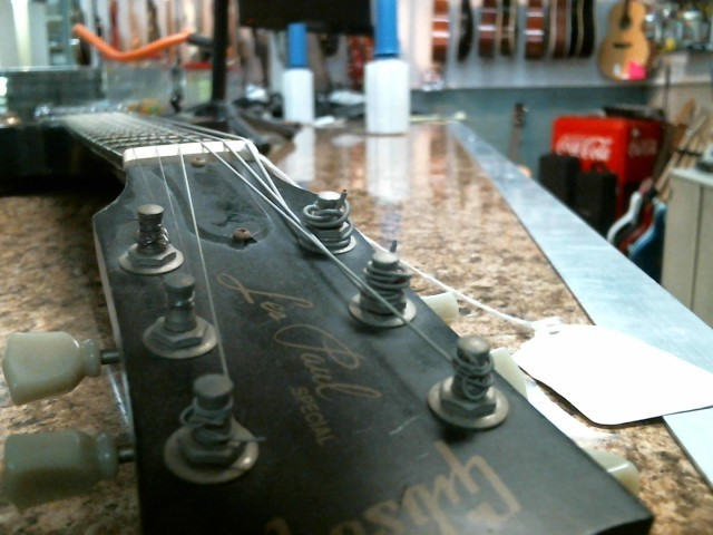 GIBSON Electric Guitar LES PAUL SPECIAL