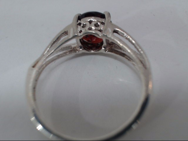 Synthetic Almandite Garnet Lady's Silver & Stone Ring 925 Silver 2.7g
