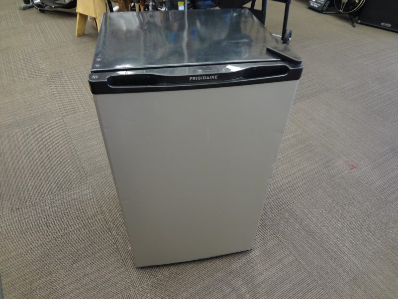 FRIGIDAIRE BFPH33M4LM 3.3 CU. FT. COMPACT REFRIGERATOR - SILVER/BLACK