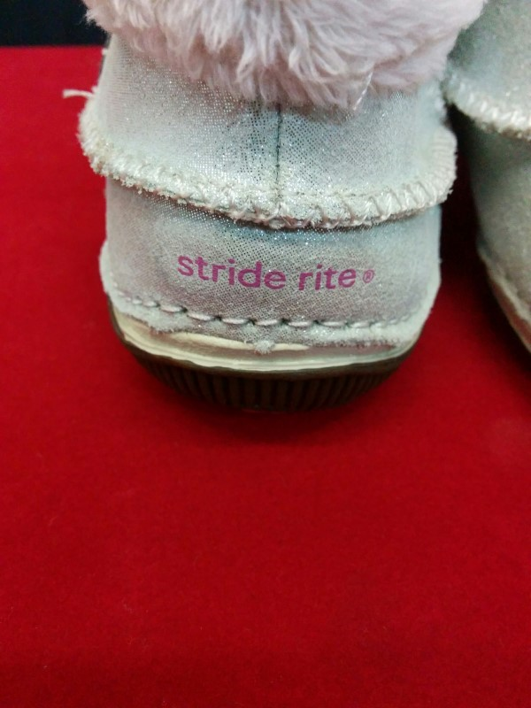 MEDALLION Shoes/Boots SRIDE RITE