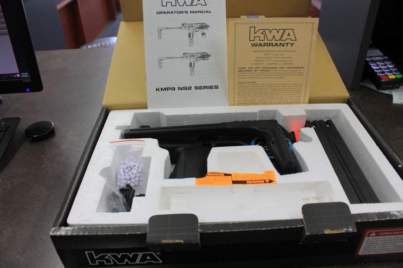 KWA KMP9 GAS BLOWBACK AIRSOFT RIFLE