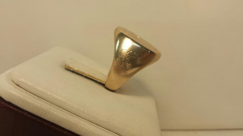 14k Yellow Gold Ring with 1 Diamond at .25ctw - 7.9dwt - Size 6