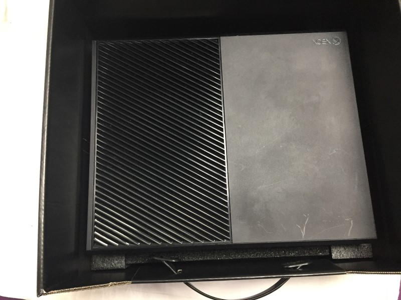 XBOX ONE 1TB SYSTEM w/ REGULAR CONTROLLER
