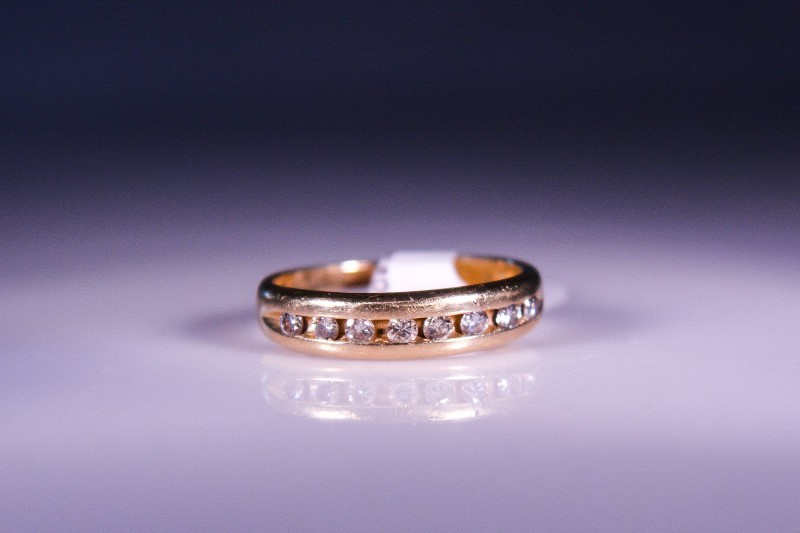 Gent's Gold-Diamond Wedding Band 8 Diamonds .40 Carat T.W. 14K Yellow Gold 3.3g