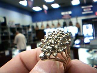 Lady's Diamond Cluster Ring 28 Diamonds 1.40 Carat T.W. 14K Yellow Gold 8.3g