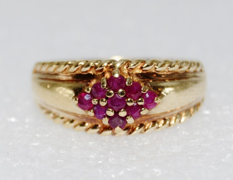 14K Yellow Gold Natural Diamond Shaped Ruby Cluster Dome Ring sz 8