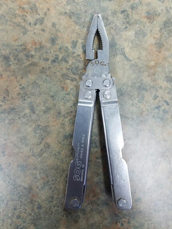 SOG Pocket Knife MULTI-TOOL
