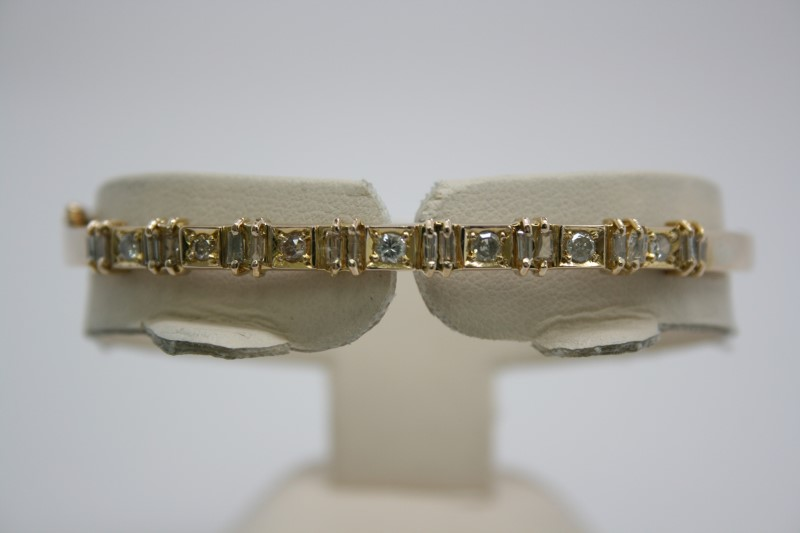 FASHION DIAMOND BANGLE BRACELET 14K YELLOW GOLD
