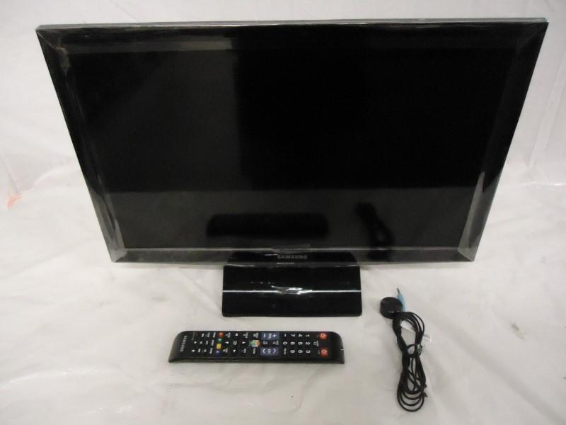 SAMSUNG Flat Panel Television UN24H4500AF