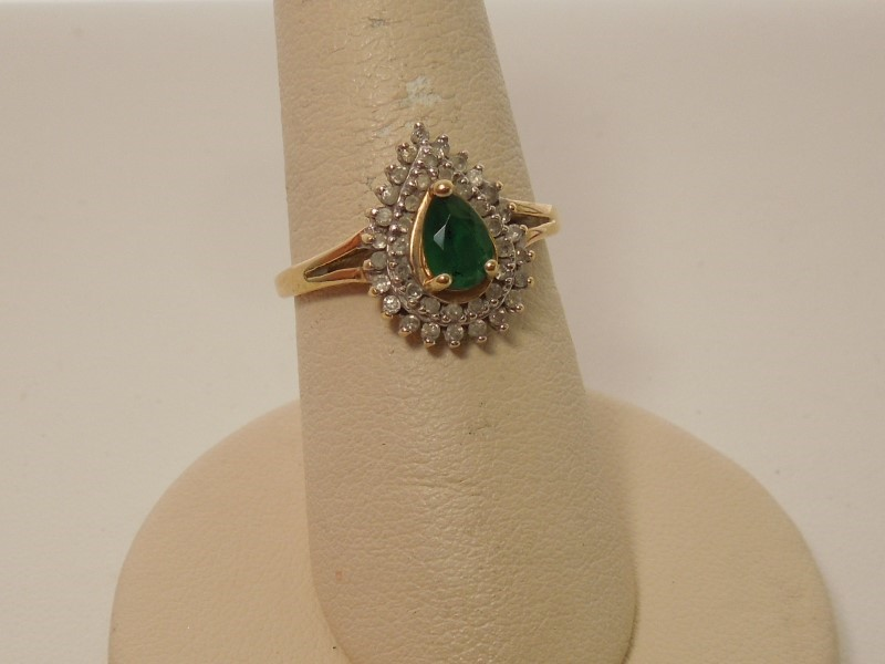 Synthetic Emerald Lady's Stone & Diamond Ring 41 Diamonds .41 Carat T.W.