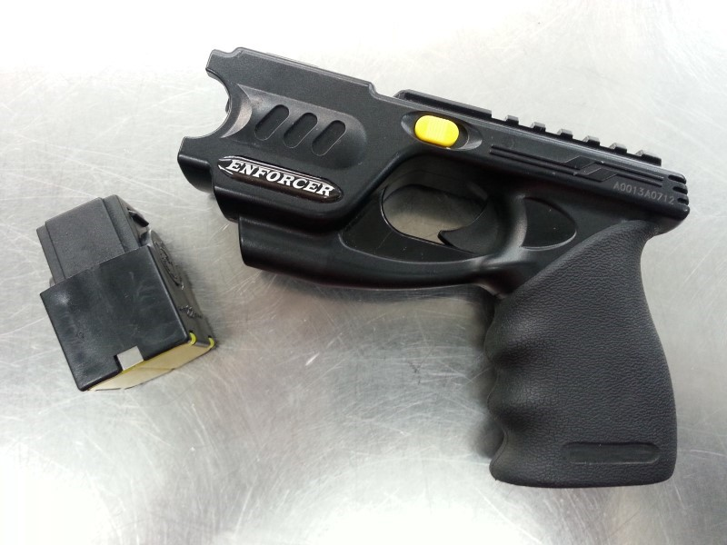 "PHAZZER TASER WITH CHARGE ""LAW ENFORCEMENT"" ""TACTICAL""  WITH HOLSTER & CHARGER"