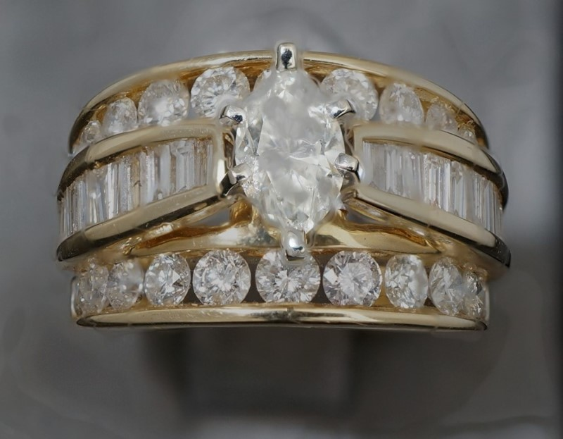 Lady's Diamond Wedding Set 47 Diamonds 2.37 Carat T.W. 14K Yellow Gold 6.8dwt