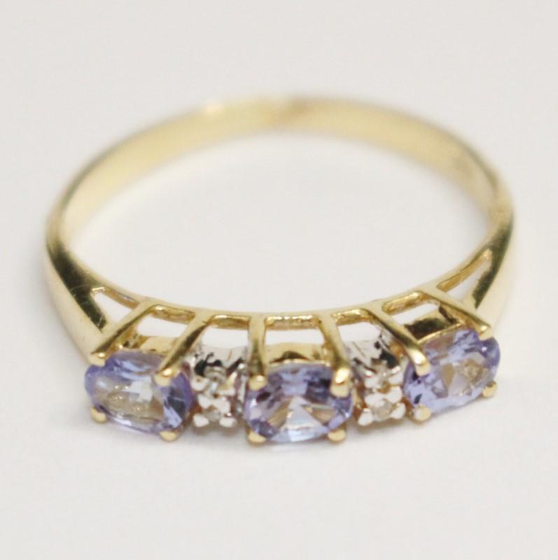 14K Yellow Gold Oval 3 Stone Tanzanite & Diamond Ring Band Size 6