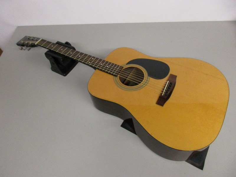 SIGMA DM-1 ACOUSTIC GUITAR
