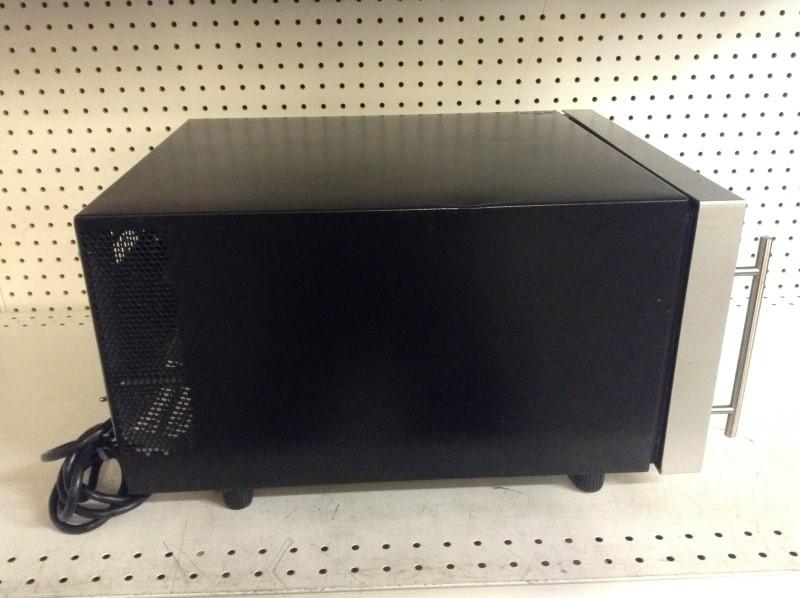 FRIGIDAIRE Refrigerator/Freezer FWC084HM