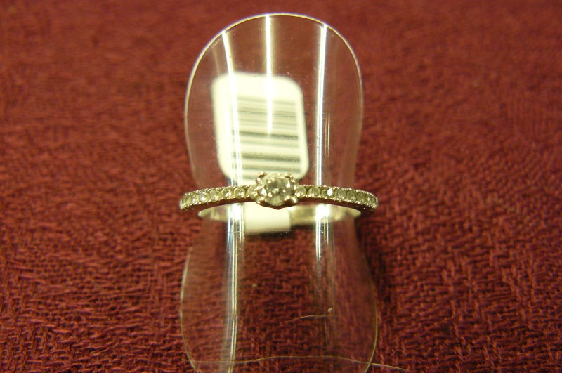 White Stone Lady's Silver & Stone Ring 925 Silver 1.2dwt Size:7