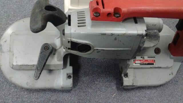 MILWAUKEE HEAVY DUTY BAND SAW 6225 (NEEDS BLADE)