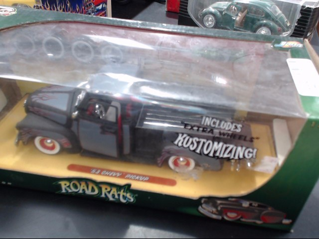 ACTION RACING COLLECTABLES Toy Vehicle DIE CAST 1:24