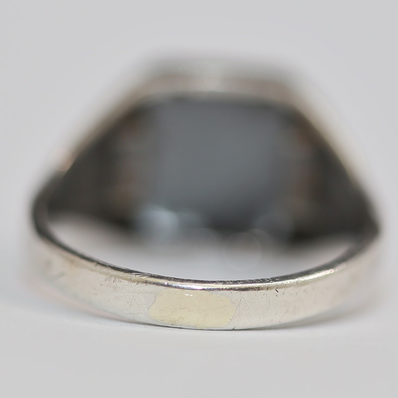 Sterling Silver and Cabochon Cut Grey Stone Ring Size 11.5