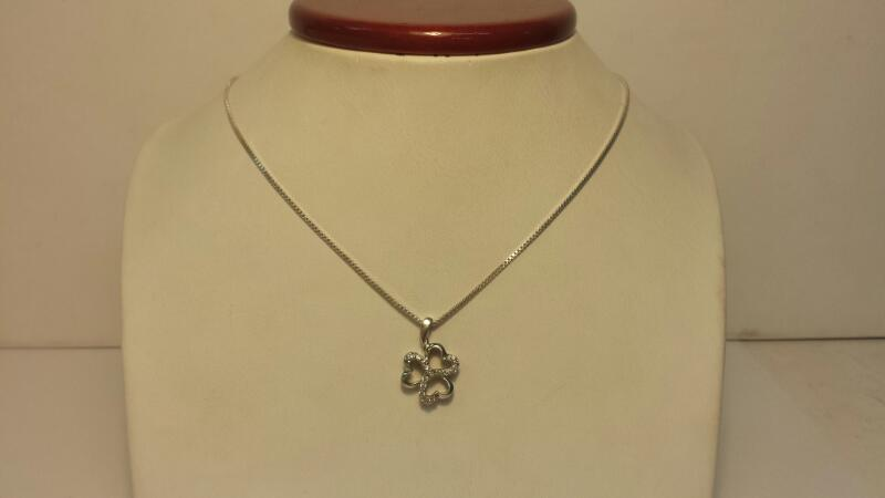 Silver (925) Box Chain with Clover Pendant and 15 Diamond Chips - 2.6dwt - 18""