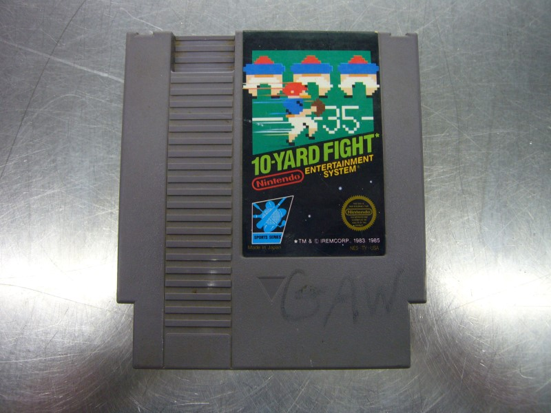 NINTENDO NES Game NES 10-YARD FIGHT *CARTRIDGE ONLY*