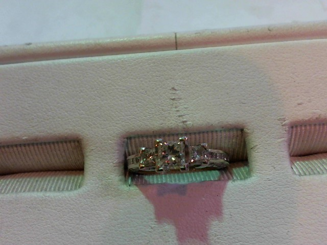 Lady's Diamond Wedding Band 29 Diamonds 1.15 Carat T.W. 14K White Gold 3.7g