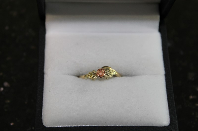 Child's Gold Ring 10K Yellow Gold 1.2g
