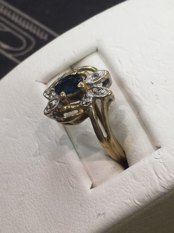 Lady's Gold Ring 10K Yellow Gold 1.8dwt