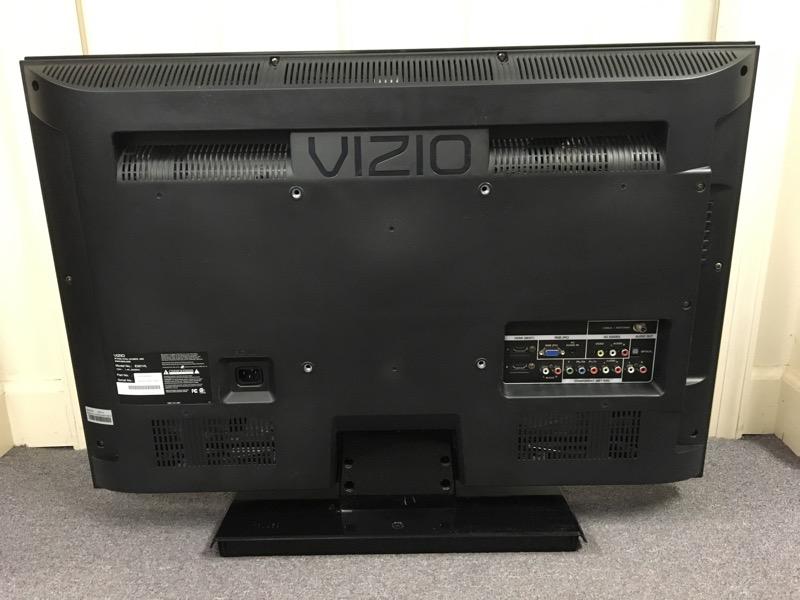 "VIZIO E321VL 32"" LCD 720P FLAT PANEL TV"