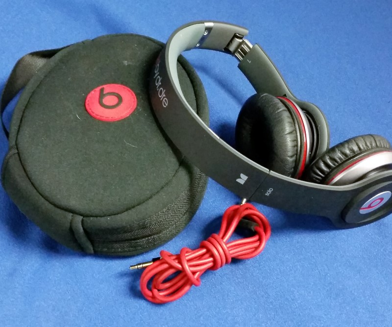 MONSTER BEATS BY DR DRE SOLO HD HEADPHONES