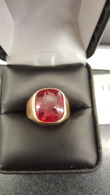 Red Stone Gent's Stone Ring 14K Yellow Gold 8.3g Size:9