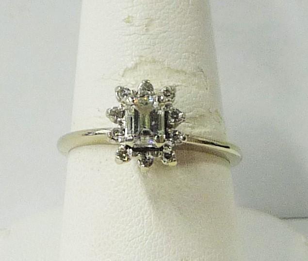 Lady's Diamond Fashion Ring 11 Diamonds 1.25 Carat T.W. 14K White Gold 1.84dwt