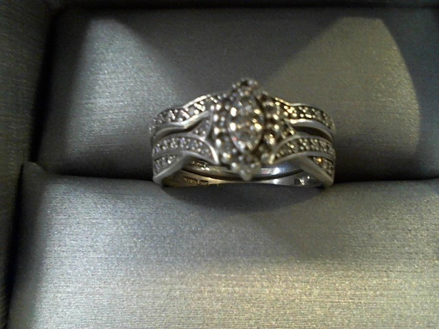 Lady's Silver-Diamond Ring 52 Diamonds .60 Carat T.W. 925 Silver 4.5g Size:7.5