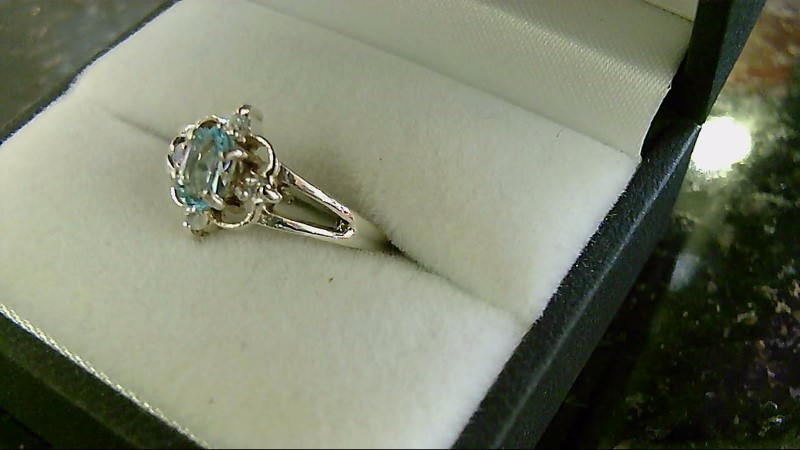 Lady's sterling silver sz 7 oval blue topaz ring