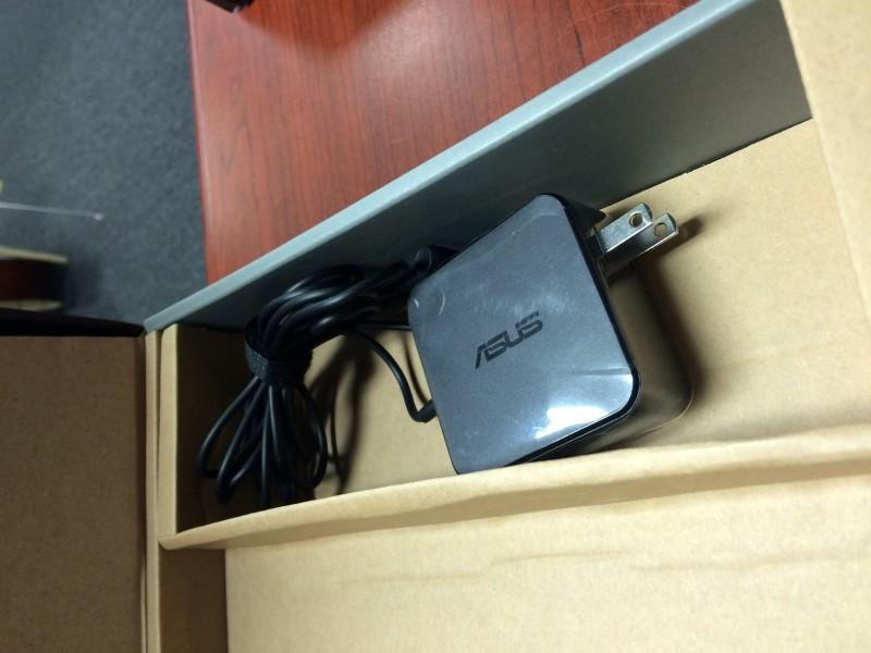 ASUS X555L 4GB Ram 1TB HDD Intel I3-5020U 5th Gen @ 2.2GHZ Windows 10