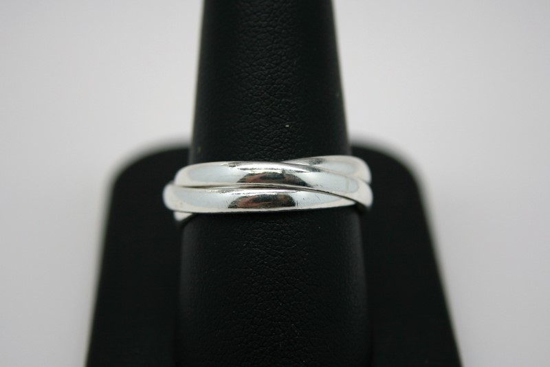 LADY'S SILVER TRIPLE BAND RING 8