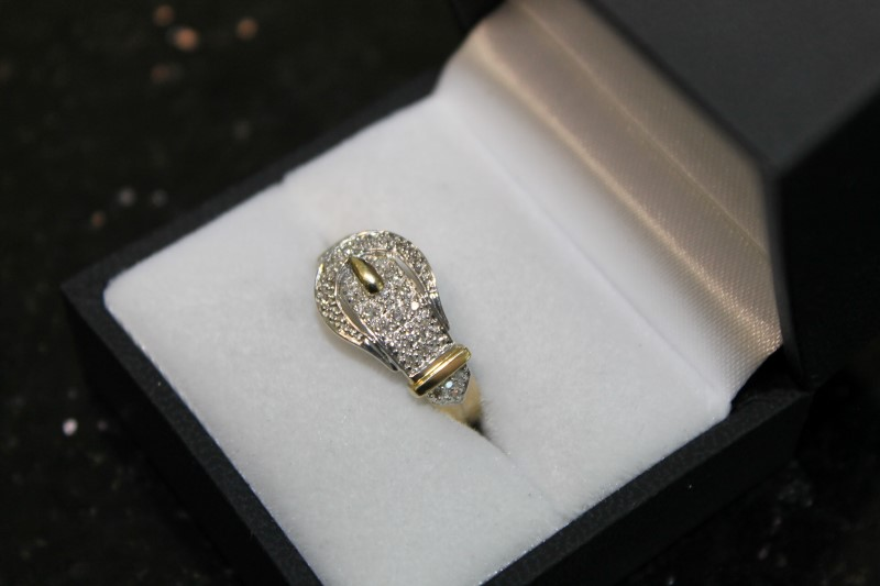 14K Yellow Gold Diamond 0.26 CTTW Belt Buckle Ring 4.1G