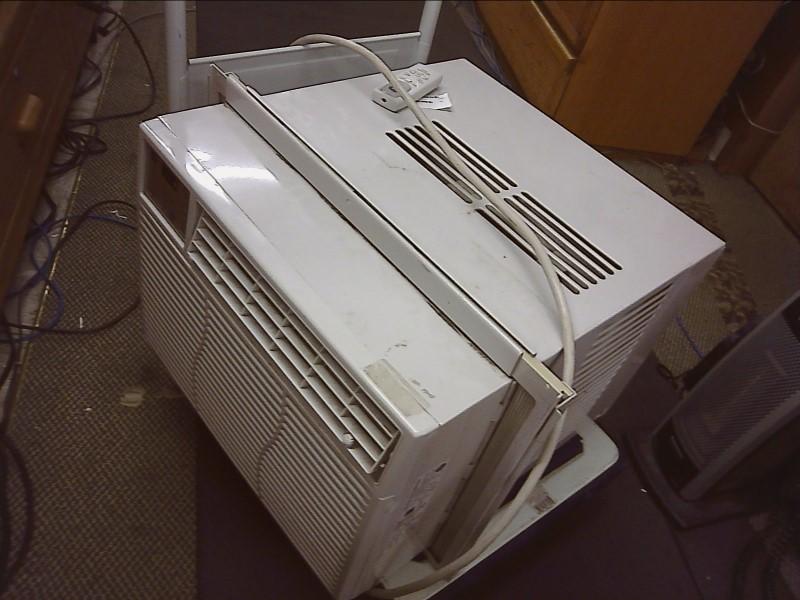 GE Air Conditioner AEL12ARW1