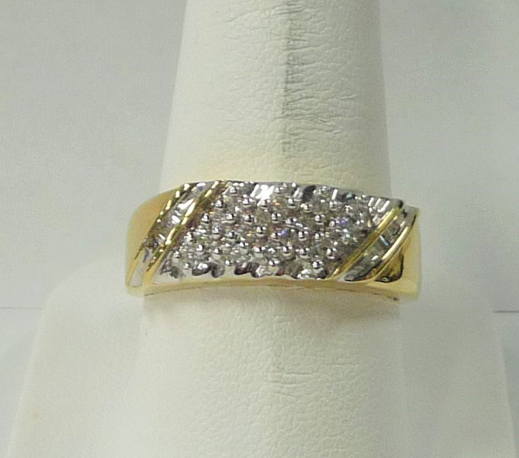 Gent's Gold Wedding Band 18K Yellow Gold 3.85dwt