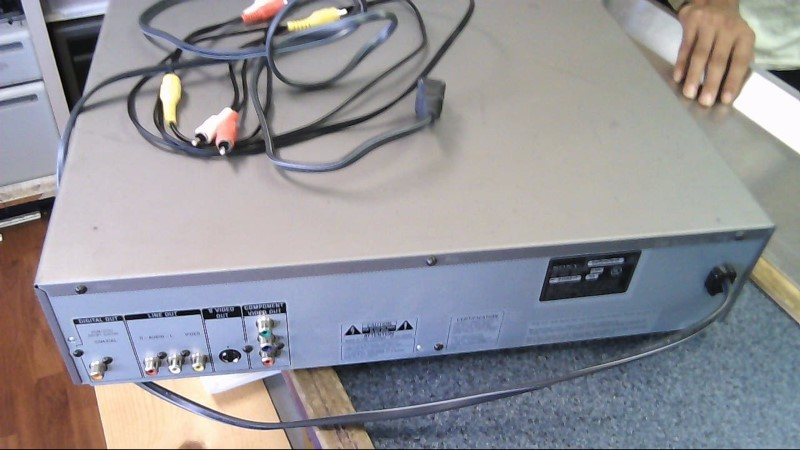SONY DVD Player DVP-NC615