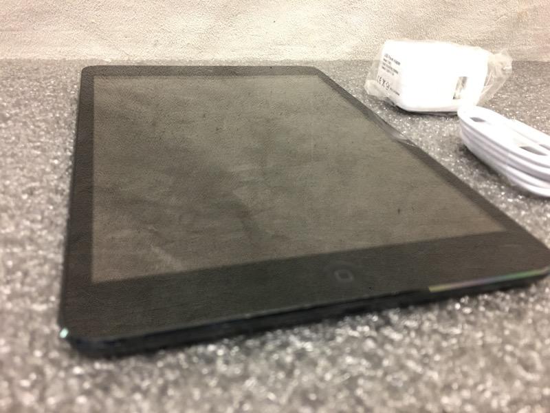 APPLE IPAD MINI 1ST GENERATION MD528LL/A BLACK / SLATE 16GB - WIFI